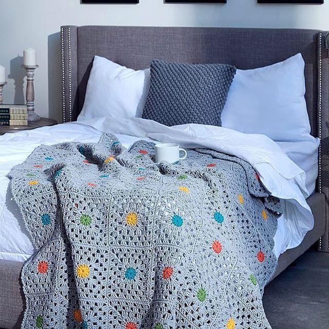 22709304 303862506764127 3710552904214511616 n 48 - Un dormitorio en color gris