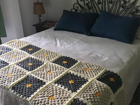 IMG 0387 - Pie de cama cuadrado mediano
