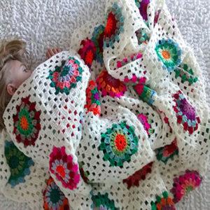 manta crochet cuadrados medianos 300x300 - Manta cuadrado mediano
