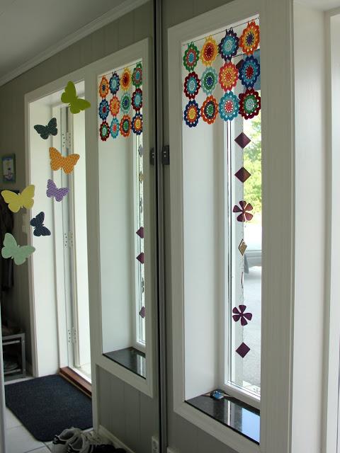 crochet flor cortina ventana PUERTA AL SUR 1 - Cortinas con flores tejidas al crochet