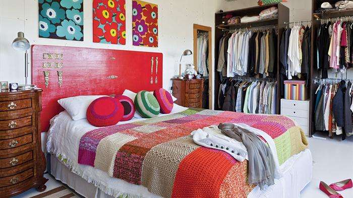 respaldo cama puerta al sur - Cómo decorar con almohadones?