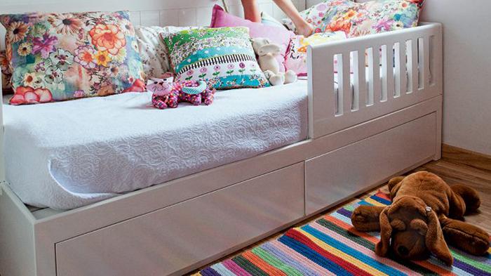alfombra rayas crochet puerta al sur - Dormitorio juvenil una idea original para el cuarto de los chicos