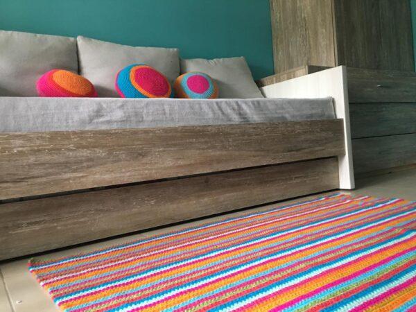 alfombra rayas crochet.colores 600x450 - Alfombra cuadrada a rayas varios colores