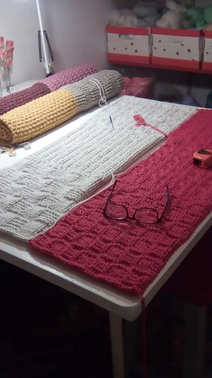 blanket knit - Bufandas tejidas con restos de hilos de lanas #diy