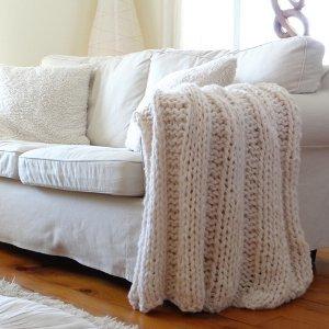 7A389F36 FAA3 42CA 870D 0B459F914CBD - Mantas decorativas para tu sofa