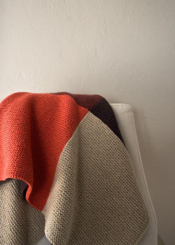 096d900115eee410e9445fa2e5173148 - Cómo acomodar una manta decorativa sobre un sofá