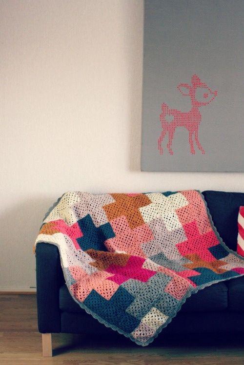 6d57d8905ed58b7a6d91998203d94e76 - Cómo acomodar una manta decorativa sobre un sofá